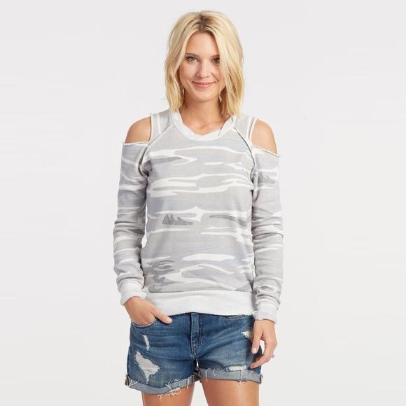 2416da462f302 ... Camo Cold Shoulder Sweatshirt. M 5b5b43991b32943e3005cd49
